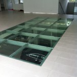 podlogi szklane